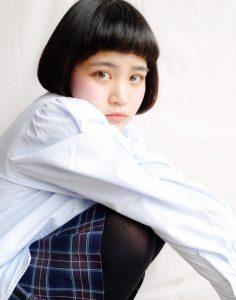 ☆ レトロシルエットで魅せる  黒髪 × ショートフルバング